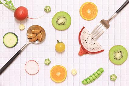 キウイフルーツ、オレンジ、赤かぶ、ナッツ、枝豆、オクラ