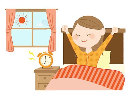 朝スッキリ目覚める女性