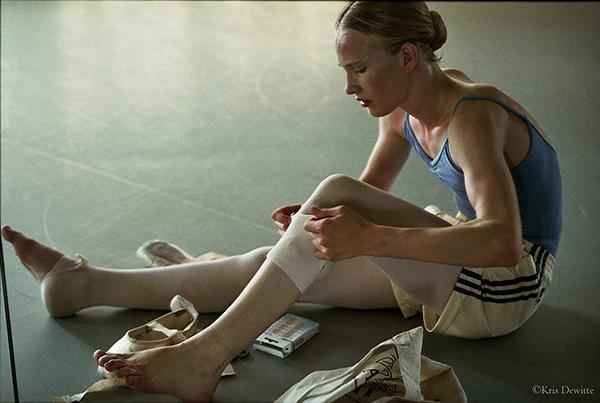 バレエのレッスン後のララの痛めた足